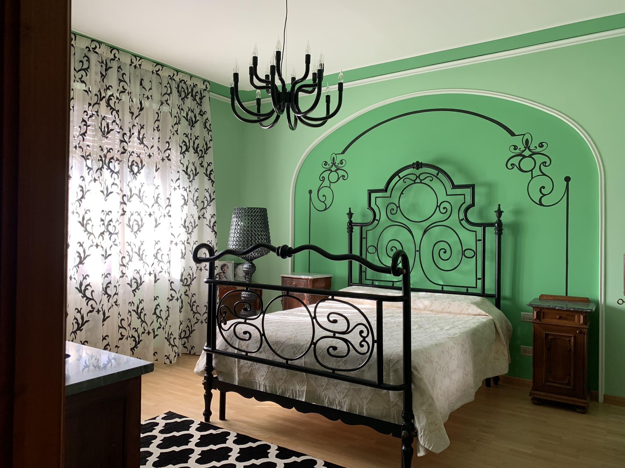 Decorazioni pittoriche su pareti   Pitture murali artisitiche